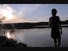 evelinajuliet custom pee video 3