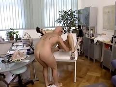 pervert doctor for nasty babe...f7102