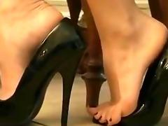 kayla shows her feet