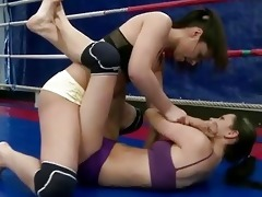 hawt juvenile brunettes fighting